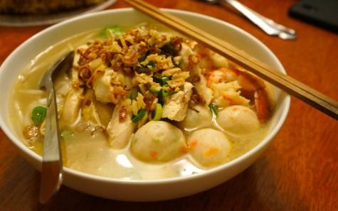 Súp miếng làm từ gạo (Phở/Kway Tiao)