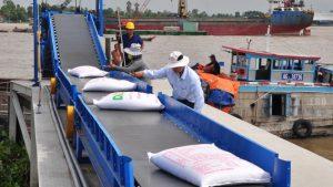 Giá gạo xuất khẩu của Việt Nam tăng trong nhiều thâp kỷ